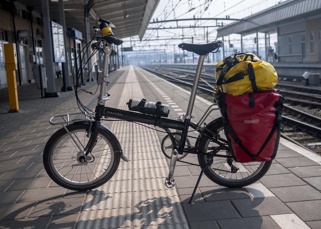 travel-with-folding-bike